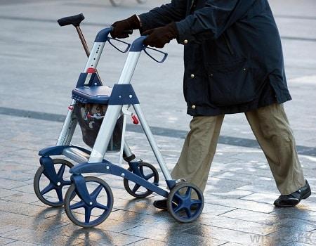 andadores para ancianos para ir por la calle