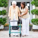 La mejor guía para elegir andadores para ancianos