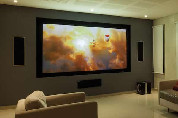 pantalla-proyector-guia-de-compra-caracteristicas-y-tipos