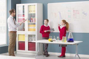 mejores pizarras blancas para los niños en un colegio